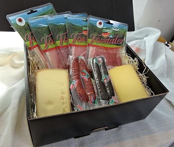 Znüni Geschenkkorb mit Fleischwaren, Käse, Wurstwaren